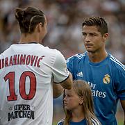 2013 07 27 Göteborg<br /> Nya Ullevi Stadium<br /> Real Madrid vs Paris Saint Germain<br /> Cristiano Ronaldo <br /> Zlatan Ibrahimovic<br /> ----<br /> FOTO : JOACHIM NYWALL KOD 0708840825_1<br /> COPYRIGHT JOACHIM NYWALL<br /> <br /> ***BETALBILD***<br /> Redovisas till <br /> NYWALL MEDIA AB<br /> Strandgatan 30<br /> 461 31 Trollhättan<br /> Prislista enl BLF , om inget annat avtalas.