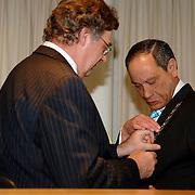 NLD/Huizen/20060323 - Afscheid burgemeester Jos Verdier als burgemester van Huizen, koninklijke onderscheiding van C. Mooij