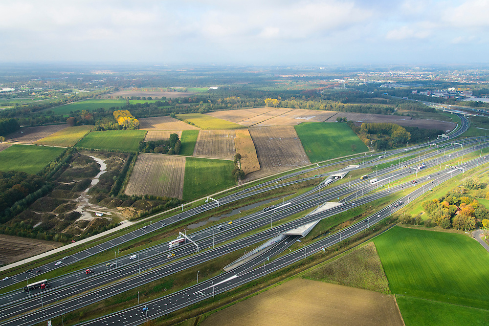 Nederland, Noord-Brabant, Eindhoven, 24-10-2013; Knooppunt Batadorp, A2 in de voorgrond.<br /> Ringroad Eindhoven, Batadorp Junction<br /> luchtfoto (toeslag op standaard tarieven);<br /> aerial photo (additional fee required);<br /> copyright foto/photo Siebe Swart.