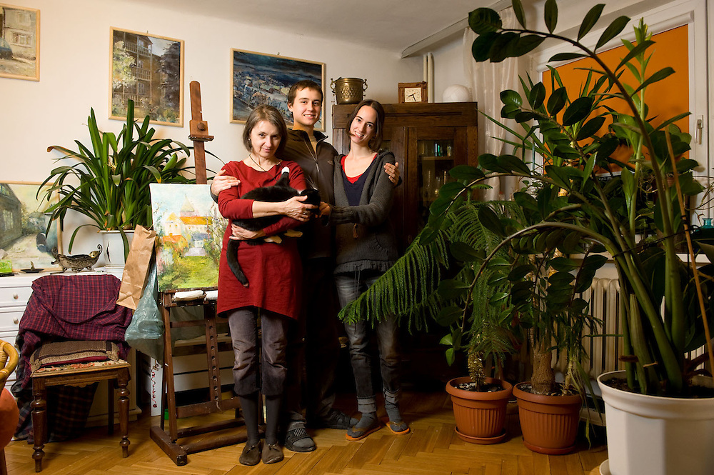 Sylwia 50, Yolanda 28, Mikolaj 20<br /> <br /> Praga-Poludnie, Warsaw, lower income, higher education <br /> <br /> Sylwia is working in administration and studying fine arts<br /> Yolanda is working in film production<br /> Mikolaj is a student