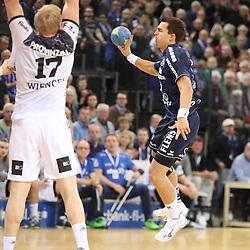 Flensburg, 08.02.17, Sport, Handball, DKB Handball Bundesliga, Saison 2016/2017, SG Flensburg-Handewitt - THW Kiel : Rasmus Lauge (SG Flensburg-Handewitt, #25), Patrick Wiencek (THW Kiel, #17) beim Spiel in der Handball Bundesliga, SG Flensburg-Handewitt - THW Kiel.<br /> <br /> Foto © PIX-Sportfotos *** Foto ist honorarpflichtig! *** Auf Anfrage in hoeherer Qualitaet/Aufloesung. Belegexemplar erbeten. Veroeffentlichung ausschliesslich fuer journalistisch-publizistische Zwecke. For editorial use only.