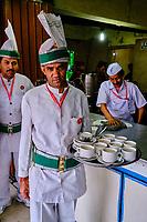 Inde, Delhi, New Delhi, Indian Coffe House, vénérable maison de thé et de café // India, Delhi, New Delhi, Indian Coffe House, venerable tea and coffee house