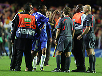 Fotball<br /> England<br /> Foto: Fotosports/Digitalsport<br /> NORWAY ONLY<br /> <br /> Chelsea vs Barcelona Champions League S-Final 2nd leg 06/05/09<br /> <br /> Drogba points an accusing finger at the ref Tom Henning Øvrebø