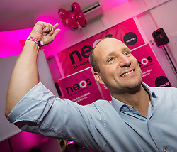 29.09.2013, Neosphaere, Wien, AUT, NEOS, Wahlfeier der NEOS zur Nationalratswahl 2013. im Bild Spitzenkandidat NEOS Matthias Strolz // Top Candidate NEOS Matthias Strolz during election party of NEOS for general election 2013 in Austria at Neosphaerel in Vienna, Austria on 2013/09/29 EXPA Pictures © 2013, PhotoCredit: EXPA/ Michael Gruber