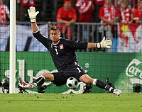 GEPA-1206086957 - WIEN,AUSTRIA,12.JUN.08 - FUSSBALL - UEFA Europameisterschaft, EURO 2008, Oesterreich vs Polen, AUT vs POL. Bild zeigt Artur Boruc (POL). <br />Foto: GEPA pictures/ Josef Bollwein