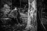 NOUVELLE CALEDONIE, HIENGHENE, Tiendanite - Aout 2013  - Coutume Kanak - Preparation du four traditionnel Kanak pour la cuisson du bougna - Clan Couhia