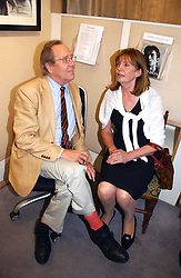 The EARL OF SNOWDON and his former wife LUCY, COUNTESS OF SNOWDON at an exhibition of photographs by Lord Snowdon held at the Chris Beetles Gallery, Ryder Street, London on 18th September 2006.<br /><br />NON EXCLUSIVE - WORLD RIGHTS