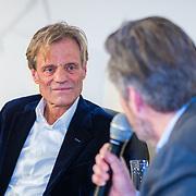 NLD/Amsterdam/20190207 - Boekpresentatie Maarten van Nispen, Maarten word geinterviewd