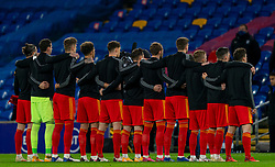 CARDIFF, WALES - Wednesday, November 18, 2020: Wales players line-up for the national anthem before the UEFA Nations League Group Stage League B Group 4 match between Wales and Finland at the Cardiff City Stadium. Wales won 3-1 and finished top of Group 4, winning promotion to League A. (Pic by David Rawcliffe/Propaganda)