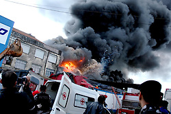 """Incêndio na fábrica """"DuFrio"""", de compressores e ar condicionados, na avenida Sertorio, zona norte de Porto Alegre. FOTO: Marcelo Campos/Preview.com"""