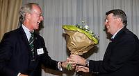 SOESTDUINEN - NGF voorzitter Ronald Pfeiffer met Henk Heijster. ALV najaar van de NGF. COPYRIGHT KOEN SUYK