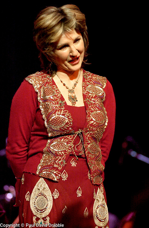 Playing to a home crowd Doncaster Diva Lesley Garrett plays live on stage at the Sheffield City Hall<br /> <br /> Copyright Paul David Drabble<br /> <br /> 21 March 2003