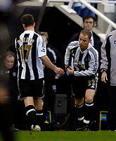 Photo: Jed Wee.<br /> Newcastle United v Portsmouth. The Barclays Premiership. 26/11/2006.<br /> <br /> Newcastle lose two players before half time, with Scott Parker (L) first to depart as he is replaced by Nicky Butt.