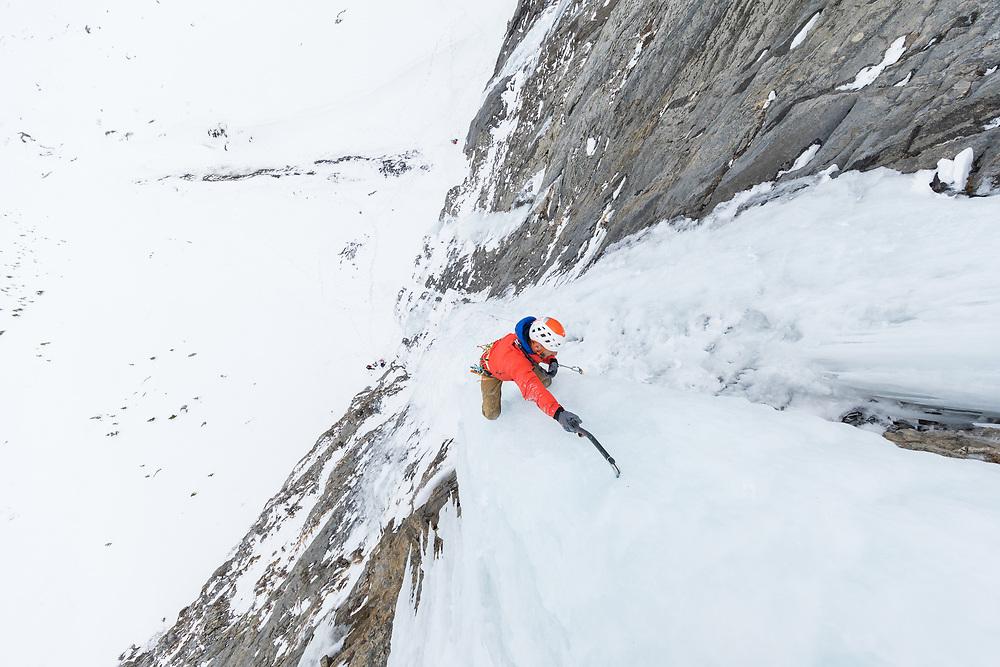 Jeff Mercier Hand Traverse on Ice Top Down