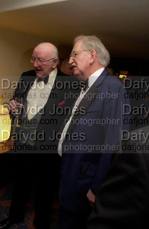 Annual  Award dinner given by the Media Society in honour of Sir David Frost. Savoy. 9 March 2005. ONE TIME USE ONLY - DO NOT ARCHIVE  © Copyright Photograph by Dafydd Jones 66 Stockwell Park Rd. London SW9 0DA Tel 020 7733 0108 www.dafjones.com