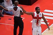 DESCRIZIONE : Milano NBA Global Games EA7 Olimpia Milano - Boston Celtics<br /> GIOCATORE : Jamal McLean<br /> CATEGORIA : Mani composizione curiosità<br /> SQUADRA :  Olimpia EA7 Emporio Armani Milano<br /> EVENTO : NBA Global Games 2016 <br /> GARA : NBA Global Games EA7 Olimpia Milano - Boston Celtics<br /> DATA : 06/10/2015 <br /> SPORT : Pallacanestro <br /> AUTORE : Agenzia Ciamillo-Castoria/IvanMancini<br /> Galleria : NBA Global Games 2016 Fotonotizia : NBA Global Games EA7 Olimpia Milano - Boston Celtics