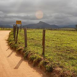 """Paisagem rural (paisagem) fotografado em Guarapari, Espírito Santo -  Sudeste do Brasil. Bioma Mata Atlântica. Registro feito em 2007.<br /> <br /> ENGLISH: Rural landscape photographed in Guarapari, Espírito Santo - Southeast of Brazil. Atlantic Forest Biome. Picture made in 2007."""