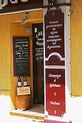 wine shop cave saint prefet chateauneuf du pape rhone france