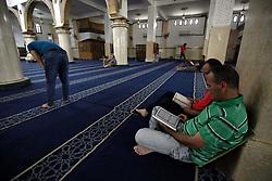 June 4, 2017 - Algiers, Algeria - An Algerian Muslim reads the Koran in a mosque in Boufarik, Algeria, on 04/06/2017. The tenth day of the holy Muslim month of Ramadan of the year Hijri From 1438. (Credit Image: © Billal Bensalem/NurPhoto via ZUMA Press)