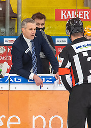 12.01.2021, Keine Sorgen Eisarena, Linz, AUT, ICE, iClinic Bratislava Capitals vs Black Wings 1992, 30. Runde, im Bild Head Coach Dan Ceman (Steinbach Black Wings 1992) // during the bet-at-home ICE Hockey League 30th round match between iClinic Bratislava Capitals and Black Wings 1992 at the Keine Sorgen Eisarena in Linz, Austria on 2021/01/12. EXPA Pictures © 2020, PhotoCredit: EXPA/ Reinhard Eisenbauer