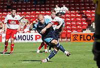 Photo: Steve Bond.<br />Walsall v Swansea City. Coca Cola League 1. 25/08/2007. Andy Robinson slots the penalty home