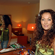 NLD/Eemnes/20060921 - Perspresentatie de Gouden Kooi, Ilona