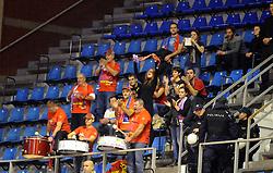 Navijaci kosarkasa Tajfuna, na utakmici protiv Partizana.<br /> Beograd, 20.11.2015.<br /> foto: Nebojsa Parausic<br /> <br /> Kosarka, Partizan, Tajfun, Jadranska ABA liga