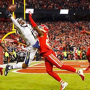 KANSAS CITY, MO - DECEMBER 13: Cornerback Kendall Fuller #23 of the Kansas City cornerback Kendall Fuller #23 of the Kansas City Chiefs breaks up a pass intended for wide receiver Keenan Allen #13 of the Los Angeles Chargers at Arrowhead Stadium on December 13, 2018 in Kansas City, Missouri. (Photo by David Eulitt/Getty Images)