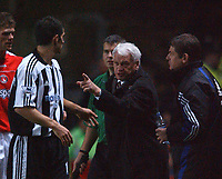 Sir Bobby Robson  (Newcastle's Manager) has words with Aaron Hughes. Charlton v Newcastle, The Valley, 20/12/2003, Premiership Football. Credit : Colorsport / Robin Hume. Digital File Only.
