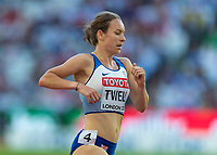 Athletics - 2017 IAAF London World Athletics Championships - Day Seven, Evening Session<br /> <br /> Womens 5000m Round One<br /> <br /> Stephanie Twell (Great Britain) feels the pace of the race at the London Stadium<br /> <br /> COLORSPORT/DANIEL BEARHAM