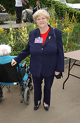 ANNE WIDDICOMBE at the 2005 RHS Chelsea Flower Show on 23rd May 2005<br /><br />NON EXCLUSIVE - WORLD RIGHTS