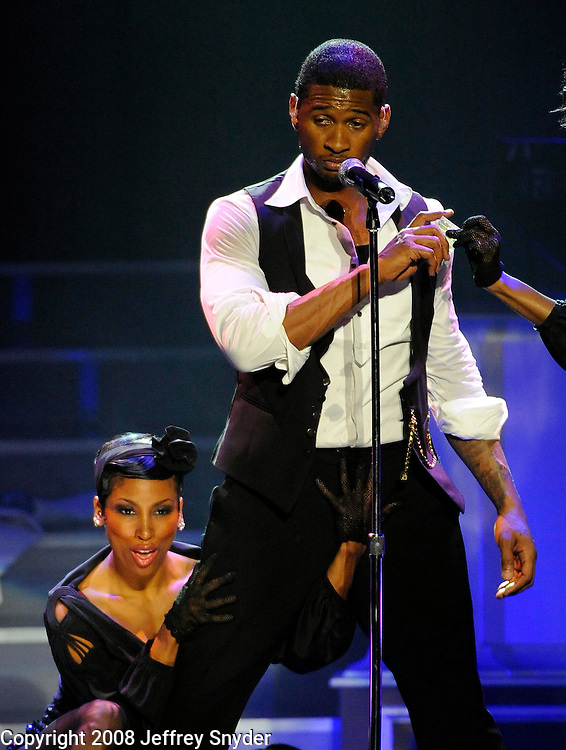 """Usher performs on his """"Ladies Only"""" Tour in Washington, DC at the Warner Theater"""