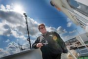 Kapitein Peter Henry Willcox is blij dat de Arctic Sunrise weer in veilige handen is. In IJmuiden is de Arctic Sunrise, het schip van milieuorganisatie Greenpeace dat een jaar door Rusland in beslag is genomen, aangekomen. De voormalige ijsbreker wordt in Amsterdam uit het water gehaald en opgeknapt omdat het gehavend is geraakt toen het aan de ankers lag. De boot van de milieuorganisatie is september 2013 door de Russen geënterd en de bemanningsleden vastgezet op verdenking van piraterij. Greenpeace voerde actie bij een boorplatform in de Barentszzee. Als het schip weer is gerepareerd, wil de milieubeweging weer campagnes houden met de Artic Sunrise.<br /> <br /> In IJmuiden, the Arctic Sunrise, the Greenpeace ship that a year ago is seized by Russia, arrived. The former ice breaker is removed from the water in Amsterdam and refurbished since it was damaged when it was up to the anchors. The boat of the environmental organization is boarded in September 2013 by the Russians and the crew put down on suspicion of piracy. Greenpeace campaigned on a drilling platform in the Barents Sea. If the ship is repaired, the environmental movement wants to use the Arctic Sunrise again for campaigning.