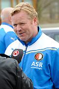 Feyenoord-selectie  krijgt maandag in Amersfoort een militaire training. Op uitnodiging van de Koninklijke Landmacht is de A-selectie een dag te gast op de Bernhardkazerne.<br /> <br /> Op de foto:  Ronald Koeman