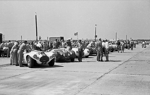 Cunningham and Jaguars line up for start of 1953 Sebring 12-hour race