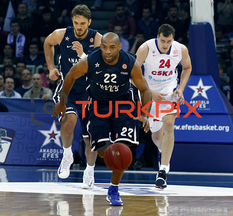 Anadolu Efes's Alfred Jamon Lucas (C) and CSKA Moscow's Alexandr Kaun (R) during their Euroleague Top 16 game 8 basketball match Anadolu Efes between CSKA Moscow at the Abdi Ipekci Arena in Istanbul at Turkey on Friday, February, 22, 2013. Photo by TURKPIX