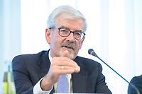 20 FEB 2020, BERLIN/GERMANY:<br /> Dr. Heinz Fischer-Heidlberger, Vorsitzende der Kommission zur Ermittlung des Finanzbedarfs der Rundfunkanstalten, KEF, waehrend einer Pressekonferenz zur Uebergabe des 22. Bericht der KEF, Landesvertertung Rheinland-Pfalz<br /> IMAGE: 20200220-01-030