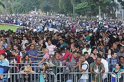 March 26, 2019 - SãO Paulo, Brazil - A giant line formed in the Anhangabaú Valley, in the center of the city of São Paulo, where job search is being promoted by the Secretariat of Economic Development and Labor of São Paulo City Hall and the Trade Union of Trade Unions on Tuesday morning. More than 6000 jobs are offered for various segments such as telemarketing, cashier, clerk and store clerk. March 26, 2019. (Credit Image: © FáBio Vieira/FotoRua via ZUMA Wire)