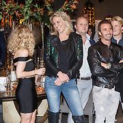 NLD/Amsterdam/20151130 - Presentatie Zimra Geurts kalender, Zimra en fotografe Myrthe Mylius