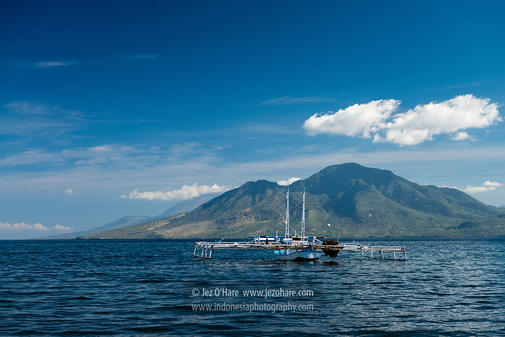 Kapal nelayan, Larantuka, Flores Timur, Nusa Tenggara Timur, Indonesia