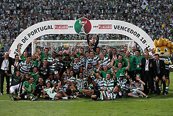 May 25, 2019 - Oeiras, Portugal - OEIRAS, PORTUGAL - MAY 25: Sporting's players celebrate with their trophy after winning the Portugal Cup Final football match Sporting CP vs FC Porto at Jamor stadium, on May 25, 2019, in Oeiras, outskirts of Lisbon, Portugal. (Credit Image: © Pedro Fiuza/NurPhoto via ZUMA Press)
