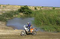 Motor - Motorsykkel. Paris-Dakar 2002. Pål Anders Ullevålseter fra Norge (65). <br />Foto: Gilles Levent, Digitalsport