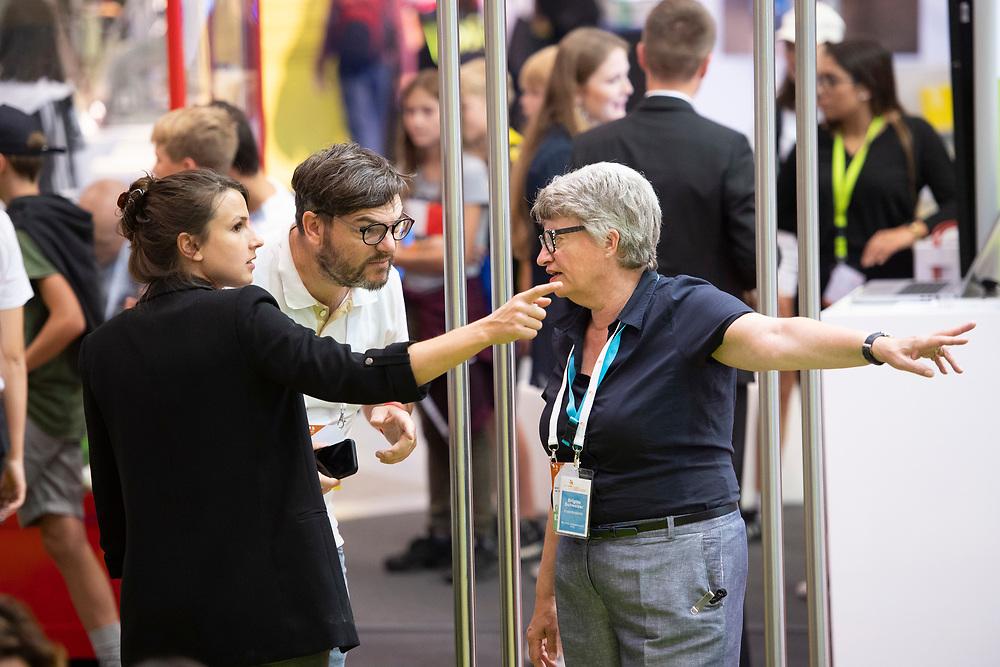 12. September 2018; Bern; swiss skills 2018  - Besucher fragen nach dem Weg (Michael Zanghellini)