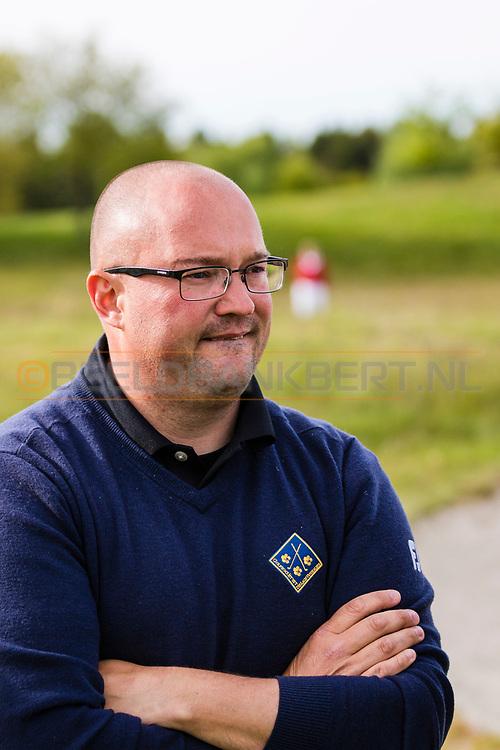 17-05-2015 NGF Competitie 2015, Hoofdklasse Heren - Dames Standaard - Finale, Golfsocieteit De Lage Vuursche, Den Dolder, Nederland. 17 mei. CELEBRITIES Ralph Miller tijdens de singles.