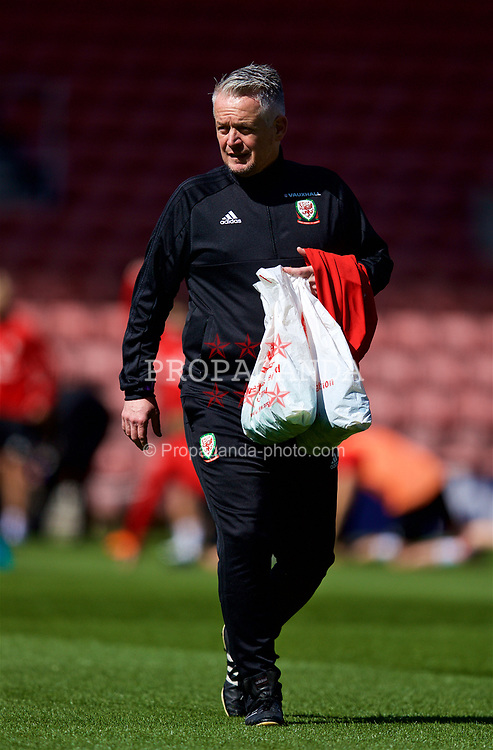 SOUTHAMPTON, ENGLAND - Thursday, April 5, 2018: Wales' Mike Murphy during a training session at St. Mary's Stadium ahead of the FIFA Women's World Cup 2019 Qualifying Round Group 1 match against England. (Pic by David Rawcliffe/Propaganda)