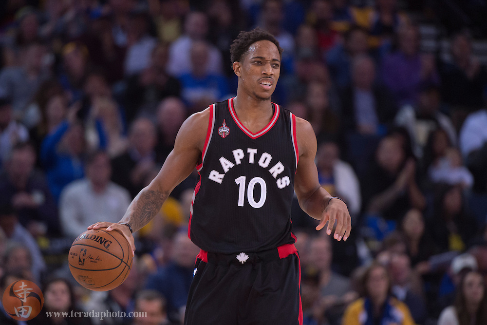 November 17, 2015; Oakland, CA, USA; Toronto Raptors guard DeMar DeRozan (10) reacts during the third quarter against the Golden State Warriors at Oracle Arena. The Warriors defeated the Raptors 115-110.