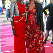 NLD/Amsterdam/20110618 - Amsterdamdiner 2011, Leonie Jansen en ..................
