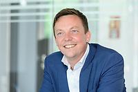 26 AUG 2021, BERLIN/GERMANY:<br /> Tobias Hans, CDU, Ministerpraesident Saarland, waehrend einem Interview, Parlamentsredaktion Berlin Rheinische Post<br /> IMAGE: 20210826-01-022