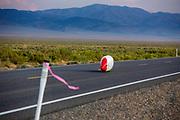 De avondruns van de derde racedag. In Battle Mountain (Nevada) wordt ieder jaar de World Human Powered Speed Challenge gehouden. Tijdens deze wedstrijd wordt geprobeerd zo hard mogelijk te fietsen op pure menskracht. De deelnemers bestaan zowel uit teams van universiteiten als uit hobbyisten. Met de gestroomlijnde fietsen willen ze laten zien wat mogelijk is met menskracht.<br /> <br /> In Battle Mountain (Nevada) each year the World Human Powered Speed Challenge is held. During this race they try to ride on pure manpower as hard as possible.The participants consist of both teams from universities and from hobbyists. With the sleek bikes they want to show what is possible with human power.
