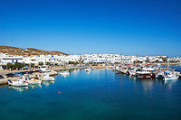 Grece, les Cyclades, ile deAntiparos, port et village de Kastro // Greece, Cyclades islands, Antiparos island, village and port of Kastro